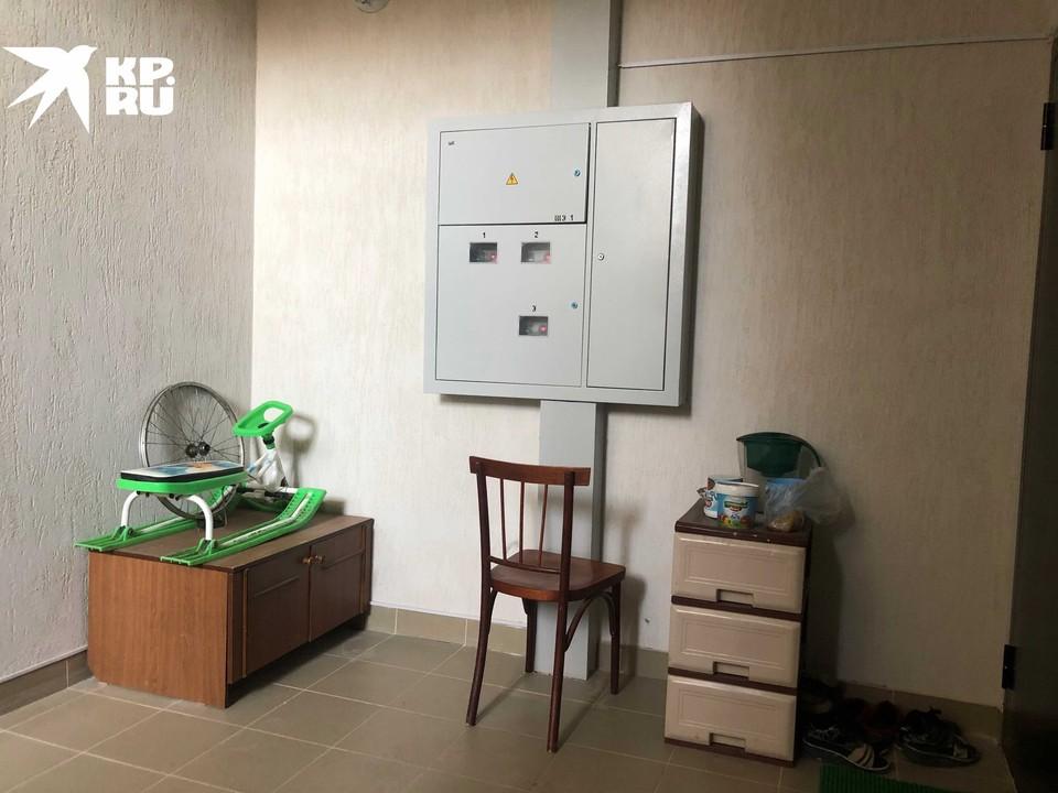 Вот так выглядит первый этаж дома, где живут звонившие Путину жители Демьянки