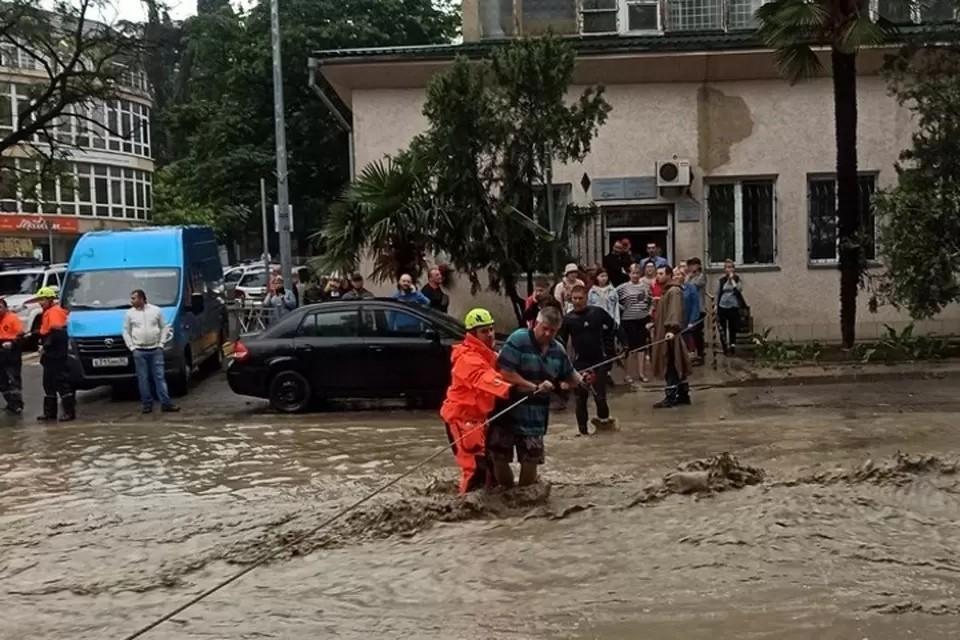 Больше всего от потопов пострадали Керчь и Ялта. Фото: МЧС РК