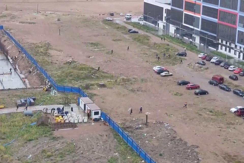 Побег со стройке сняли на намыве. Фото: vk.com/spb_today