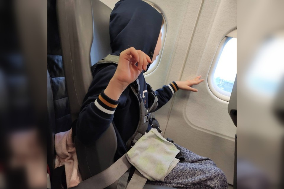 Матвей летел до Екатеринбурга без специального позиционного кресла. Фото: Марина Шаидуллина