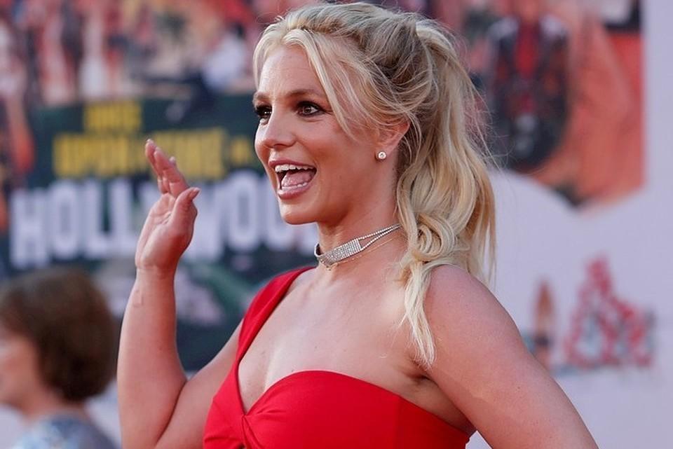Накануне Бритни Спирс объявила поклонникам о своей помолвке