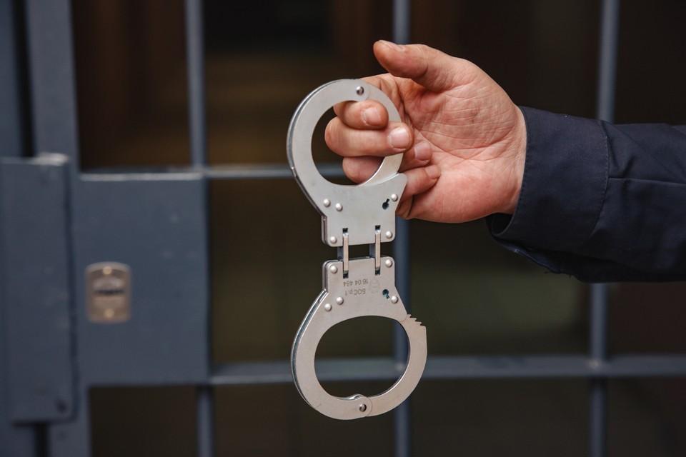 Мужчинам грозит до 4 лет лишения свободы. Фото: Сергей Грачев