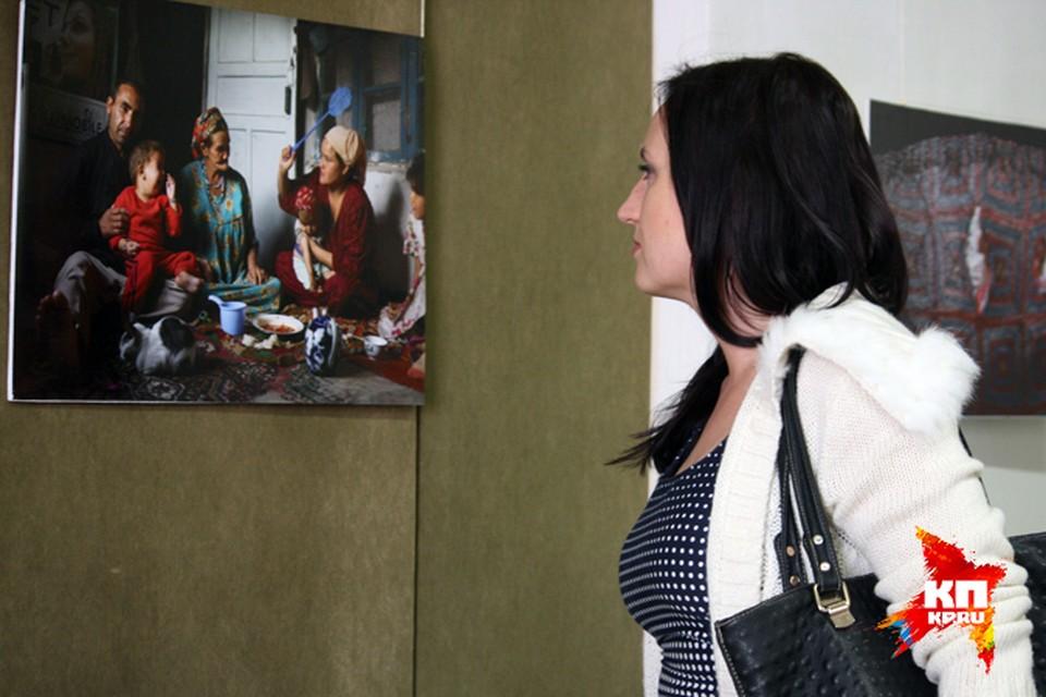 Выставка позволяет взглянуть на прошлое и настоящее Узбекистана по-новому...